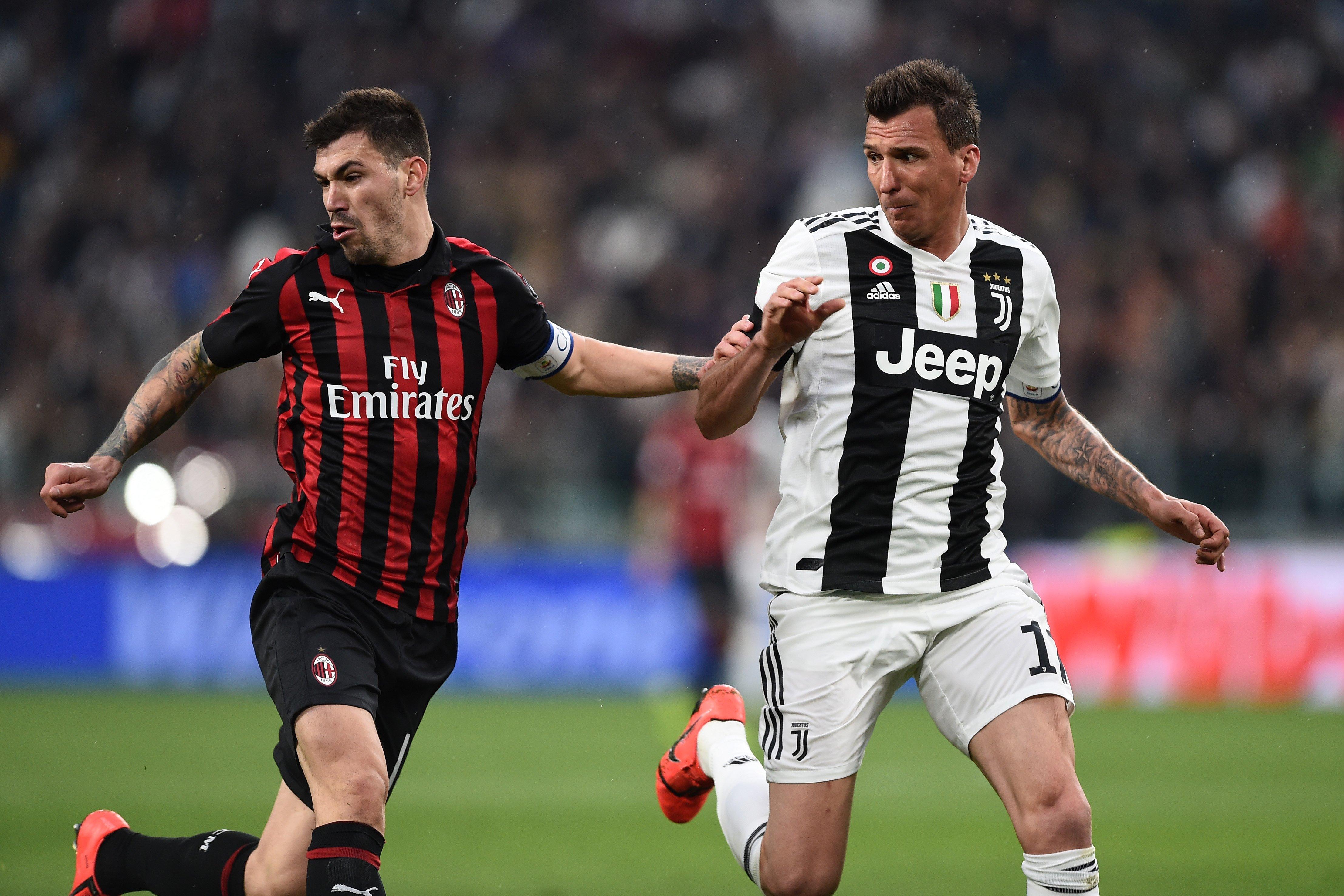 Mario Mandzukic-Alessio Romagnoli Juventus Milan