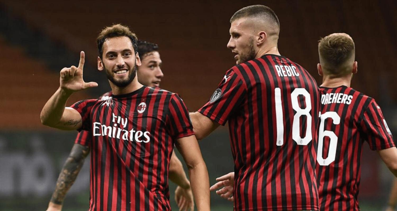 esultanza gol Hakan Calhanoglu Rebic Milan