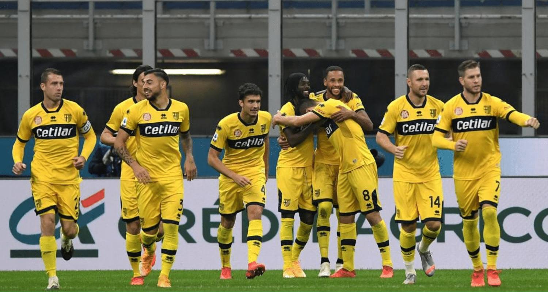 Esultanza gol Gervinho giocatori Parma